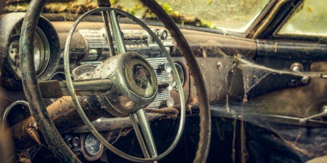nepořádek v autě
